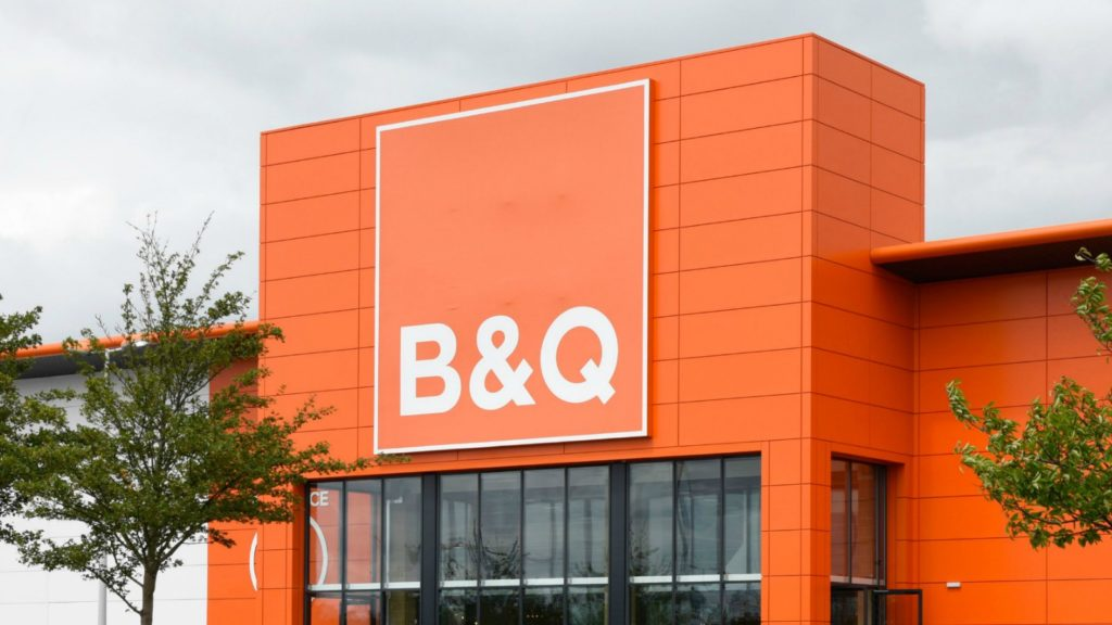 B Q Recruits 800 Kitchen And Bathroom Staff Kitchens And Bathrooms News