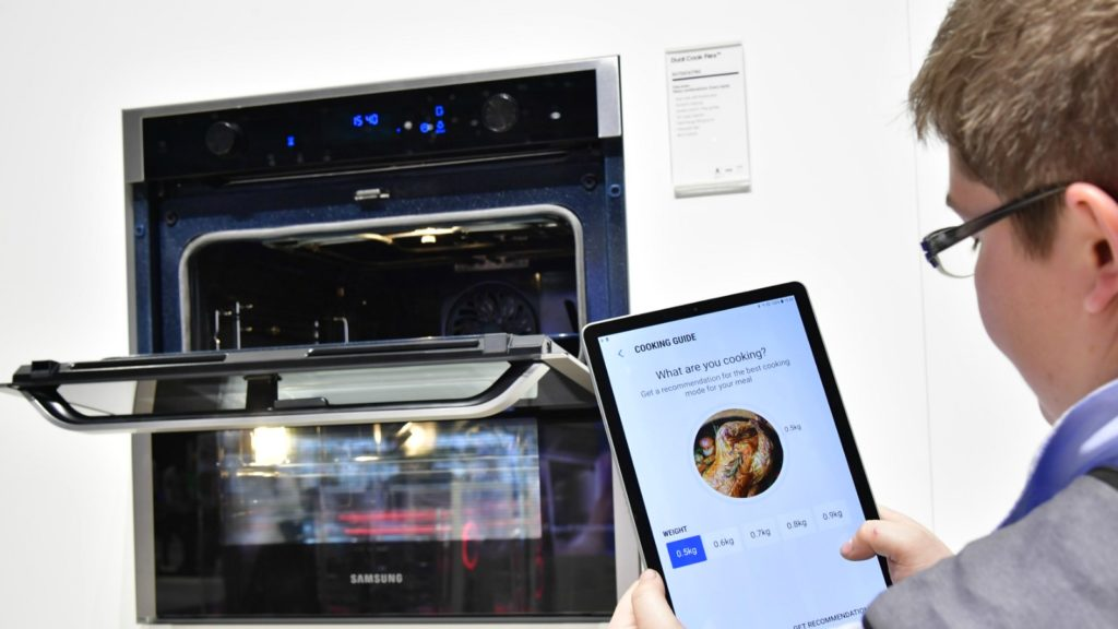 Samsung invests in kitchen retail support team