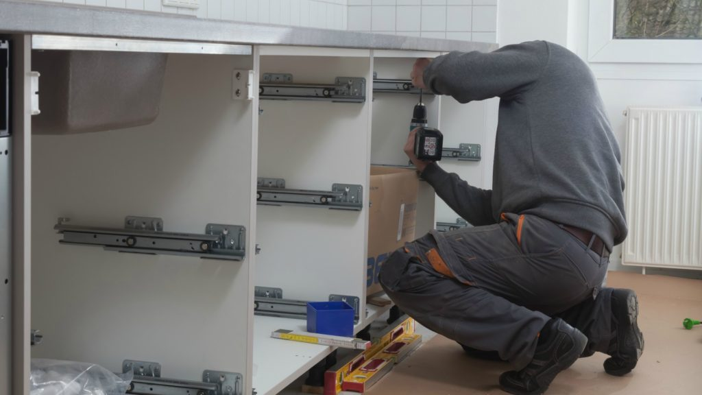 """Kitchens fitters named """"most unprofessional"""" trade"""