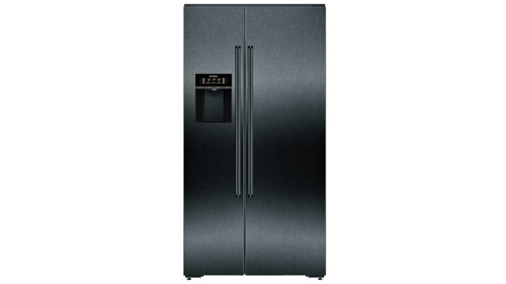 Connected American-style fridge-freezer unveiled by Siemens 1