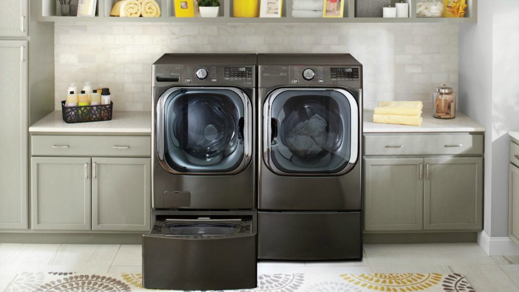 LG unveils AI-powered washer at CES